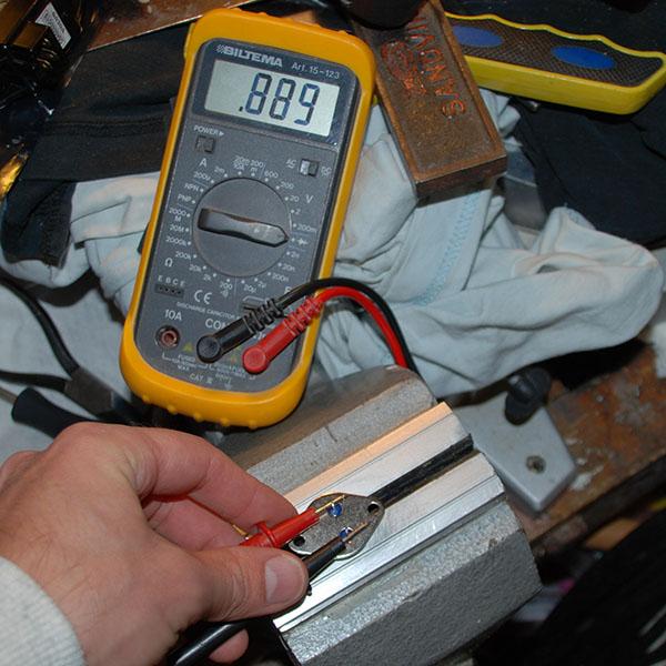 0,8 volt bas - emitter