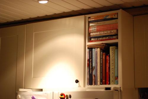 Överskåp och bokhylla 90 cm