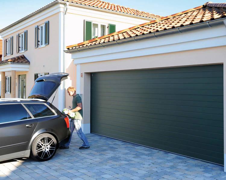 Teckentrup Garagedörr med smal panel