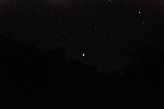 Månförmörkelse 2015 över villa Dammlyckan