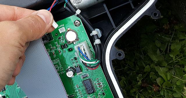 Välkända Byta batteri i MEEC robotgräsklippare » Byggoteknik.se KS-02