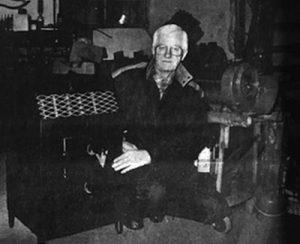 Vincent Andersson i verkstaden