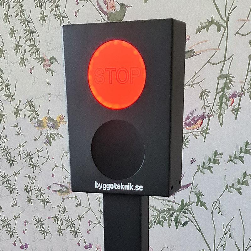 Besöksräknare med stoppljus stolpe